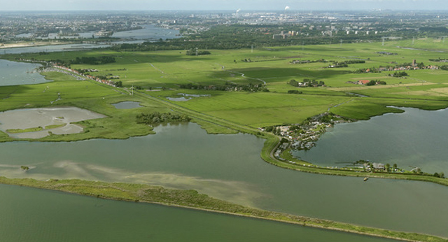 Hoeckelingsdam in het IJmeer/Markermeer